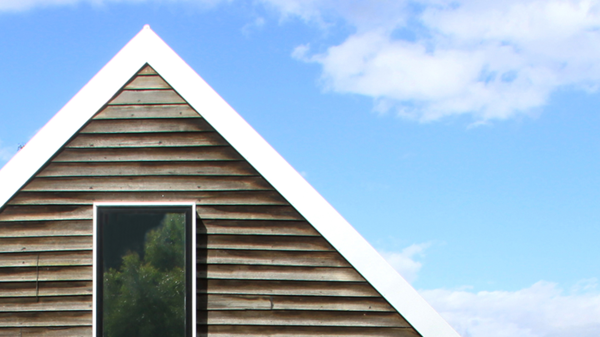 BIG SHED HOUSE – gable roof with window